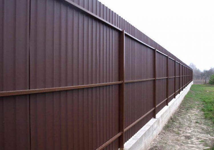 Забор из профнастила с фундаментом